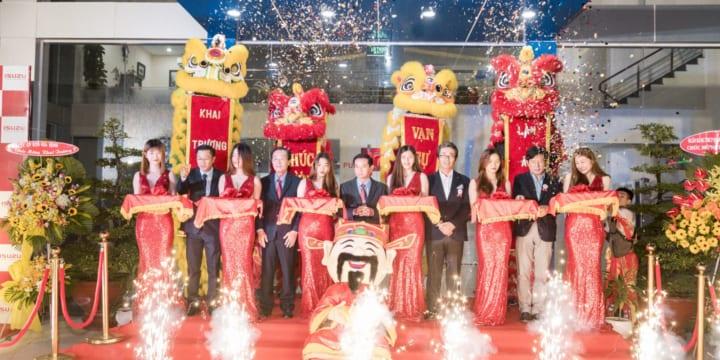 Công ty tổ chức lễ khai trương tại Bình Dương | Khai trương Showroom I-Trucks Salon Isuzu Vân Nam