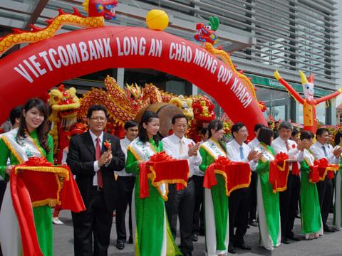 Công ty tổ chức lễ khánh thành tại Long An | Lễ khánh thànhNgân hàng TMCP Ngoại thương Việt Nam